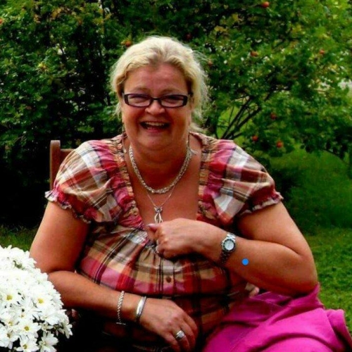 Gepijpt worden door 65-jarig omaatjes uit Friesland