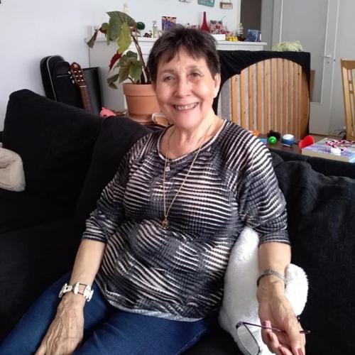 Gepijpt worden door 62-jarig omaatjes uit Utrecht