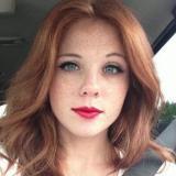 Lief babe van 28 wil smullen van sex met een geile man