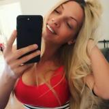 Geil milfje van 30 wil sexdaten met een aangename man