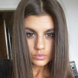 Vrijgezel tiener van 19 wil sexdaten met een gezellige man