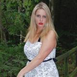 Sexy moedertje van 35 uit Diever (Drenthe) wil neuken