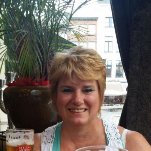 Neukdate met oma van 54 uit Zuid-Holland