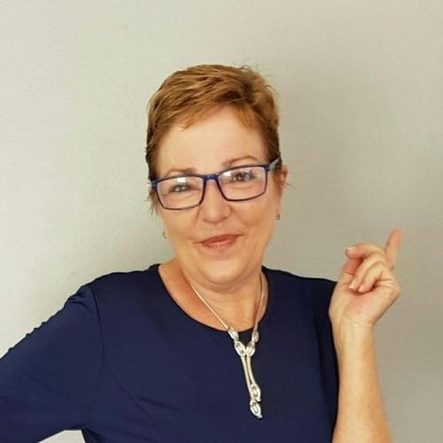 Gepijpt worden door 55-jarig dametje uit Zuid-Holland