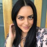 Mooi babe van 27 wil smullen van sex met een stoere man