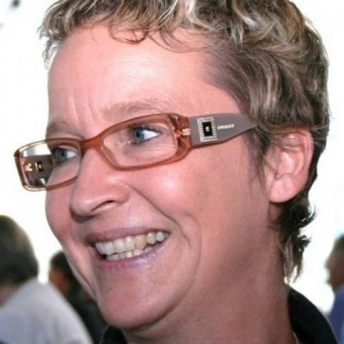 Blowjob van 50-jarig dametje uit Overijssel