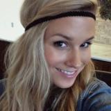 Lief babe van 28 zoekt man voor sex met een aangename kerel