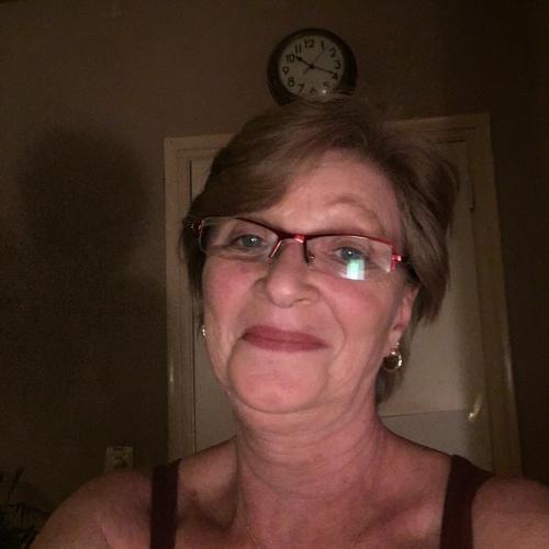 Gepijpt worden door 59-jarig dametje uit Noord-Brabant