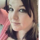 Lekker meisje van 21 wil graag sex met een stoere vent