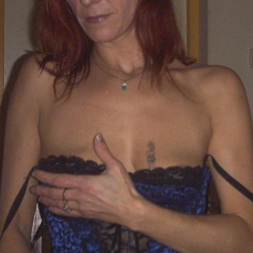 Gepijpt worden door 49-jarig vrouwtje uit Noord-Holland