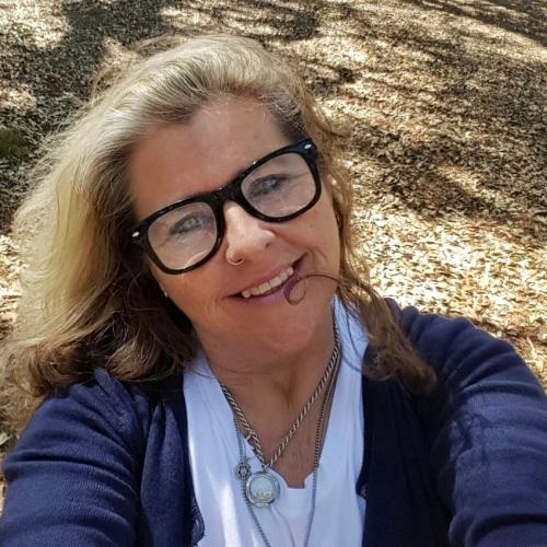 Gepijpt worden door 57-jarig dametje uit Groningen