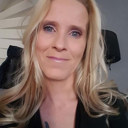 Gepijpt worden door 49-jarig vrouwtje uit Noord-Brabant