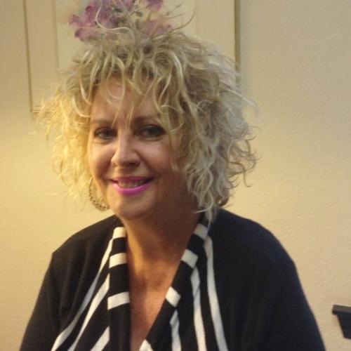 Gepijpt worden door 54-jarig dametje uit Noord-Holland
