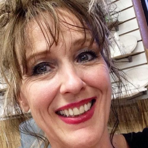 Gepijpt worden door 55-jarig dametje uit Flevoland