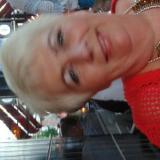 Vrijgezel omaatje van 59 uit Schiedam (Zuid-Holland) zoekt geile