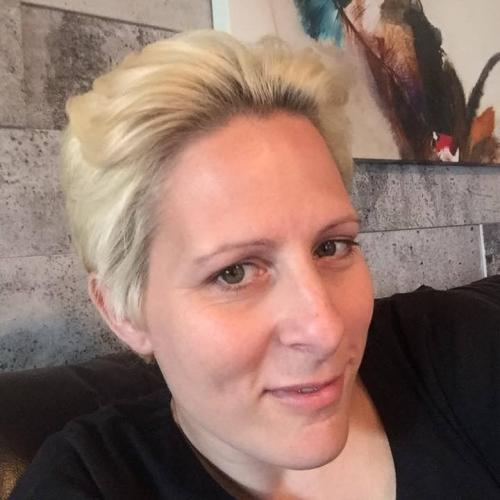 Gepijpt worden door 49-jarig vrouwtje uit Antwerpen
