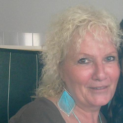 Neukdate met oma van 63 uit Utrecht