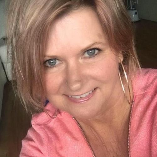 Gepijpt worden door 46-jarig vrouwtje uit Zeeland