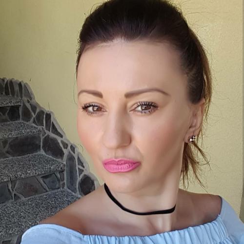 Lucyey (43) uit Overijssel