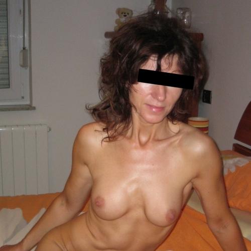 Gepijpt worden door 49-jarig vrouwtje uit Gelderland