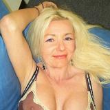 Lief omaatje van 58 uit Fleringen (Overijssel) wil sex