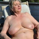 Eerste keer neuken met 69-jarige oma uit Hasselt