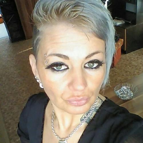 Blowjob van 42-jarig moedertje uit Oost-Vlaanderen