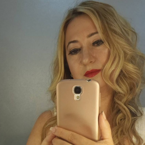 MellieT (40) uit Zuid-Holland