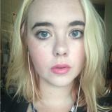Lekker tienertje van 21 uit Rotterdam (Zuid-Holland) zoekt dates