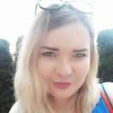 Vrijgezel tiener van 19 wil graag daten met een lekkere heer
