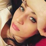 Single meisje van 23 zoekt geile jongens met een leuke vrijgezel