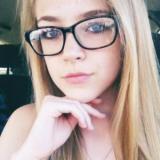 Geil meisje van 20 wil graag sex met een hete vent