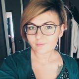 Heet meisje van 22 zoekt man voor sex met een leuke kerel