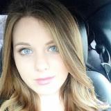 Mooi babe van 27 wil graag sex met een aangename vent
