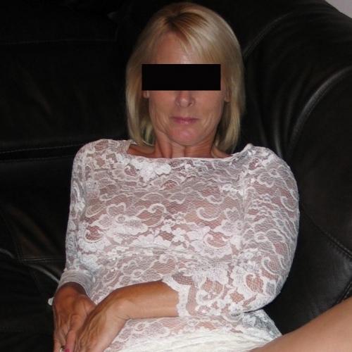 Blowjob van 51-jarig dametje uit Overijssel