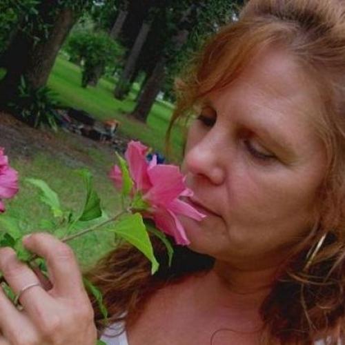 Gepijpt worden door 58-jarig dametje uit Gelderland